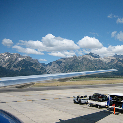 JacksonHoleAirport-wiki-400