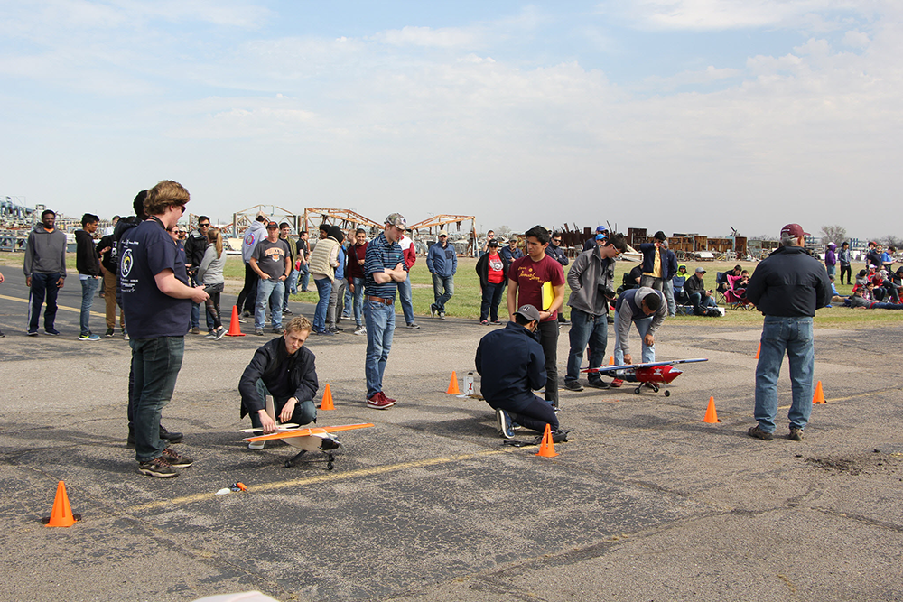 DBF 2018 participants prepare their aircraft