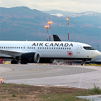 Air-Canada-Boeing737MAX-wiki-Commons-200