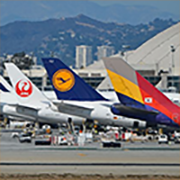 Airlines-Lined-Up-LAX-Wiki-200