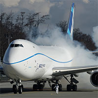 Boeing-747-8-Freighter-AP-Purchased-200