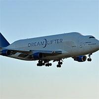 Boeing-Dreamlifter-wikipedia-200