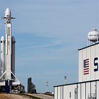 Falcon-HEAVY-SpaceX-1-AP-Purchased-200