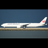 Japan-Airlines-777-Wiki-200