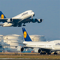 Lufthansa-Airbus-A380-Boeing-747-8-Frankfurt-Airport-200