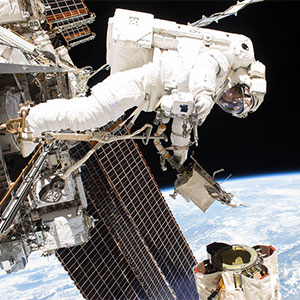 Mark-Vande-Hei-Spacewalk-2017-300x300-NASA