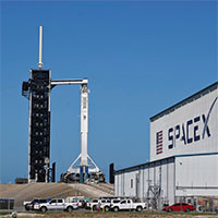SpaceX-Falcon9-Launchpad-AP-Purchased-200