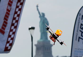 Drone-Racing-NYC-2016-350-AP-purchased